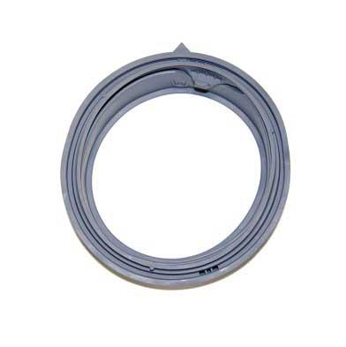 Манжета (уплотнитель люка) DC64-03203A стиральной машины Samsung (WF393, WF395, WF405 - серий). Прокладка бака, диафрагма люка, резиновый уплотнитель дверцы, резина DC64-03203А. Особенности манжеты: - три дренажных отверстия; - одно отверстие для дренажной трубки (со стороны дренажных отверстий), заглушено Для стиральных машин Samsung: WW60J3047LWDLP, WW60J3063LWDLD, WW60J3063LWDUA, WW60J3067LWDUA, WW60J3083LW1LE, WW60J30G03WDBY, WW60J30G03WDUA, WW60J3263LWDUA, WW60J3267LWDUA, WW60J3283LW1LE, WW60J4063JWDUA, WW60J4063LWDLD, WW60J4063LWDUA, WW60J42102WDUA, WW60J4210HW/LE, WW60J4210HWDUA, WW60J4210JW/LE, WW60J4210JWDLD, WW60J4213JWDUA, WW60J4263JWDLD, WW60J4263JWDUA, WW60J5210JWDLD, WW60J5217JWDUA, WW60K42101WDUA, WW60K42106WDUA, WW60K42108WDUA, WW60K42109SDUA, WW60K42109WDUA, WW65J42E0HWDLD, WW65J42E0JWDLD, WW65K42E09SDLD, WW65K42E09WDLD.