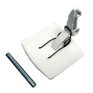 Ручка дверцы (люка) 069637 стиральной машины Bosch, Siemens Maxx (WFB, WM - серий). Ручка стиральной машины Bosch 00069637 / DHL000BY. Цвет: белый. Габаритные размеры: 50x50 мм. В комплект входит: ручка дверцы, пружина, шток. Коды взаимозамен: 21BS001, BY3800, WL227, 21BS001 Для стиральных машин Bosch, Siemens: 3TE806BM/01, 3TE806BM/60, 3TE827A/60, 3TE827BM/01, 3TE827BM/60, 3TE834A/01, 3TE834A/04, 3TE834BM/01, 3TE834BM/60, 3TE835BM/01, 3TE835BM/60, 3TE889Z/01, 3TE889Z/04, 3TS750C/01, 3TS750C/07, 4TE748A/01, 4TE748A/02, 4TE748B/01, 4TE748B/60, 5TS211C/01, 5TS211C/03, 5TS311C/01, 5TS311C/03, 5TS315C/01, 5TS410B/33, 5TS410B/35, 5TS610B, 6TS7800/07, 6TS7810/07, AVANTGARDE, AWG105, AWG105/CO/01, AWG105/PE/01, AWG106, AWG106/P/01, AWG106/P/02, AWG108, AWG108/A, AWG108/A/01, AWG108/A/02, AWG108/A/03, AWG108/CO/01, AWG108/P/01, AWG108/P/02, AWG108/PE/01, CB1811, CB1811/01, COMFORT QUICK1000, COMFORT QUICK850, CROLLS RT9811R, CROLLS RT9813R, CROLLS RT9814R, CROLLS RT9815R, EXTRA 50, EXTRA 800, EXTRA WD900, EXTRA1000, EXTRA50, EXTRA500, EXTRA800, EXTRAWD90, FAMILY 2082, HOME COMFORT, LRE211, LRE211/01, LT810, LT810/01, LT810/02, LT810/03, LT810/04, LT810R, LT810R/01, LT810R/07, LT810R/15, LT810R/17, LT810R/24, LT810R/26, LT810R/27, LT810R/30, LT810R/33, LT810R/37, LT810R/50, LT810R/52, LT812, LT812/01, LT812/02, LT812/03, LT812R, LT812R/01, LT812R/07, LT812R/15, LT812R/17, LT812R/24, LT812R/26, LT812R/27, LT812R/30, LT812R/33, LT812R/37, LT812R/50, LT812R/52, LT813, LT813/01, LT813/02, LT813/03, LT813/04, LT813/INOX, LT813R, LT813R/01, LT813R/07, LT813R/15, LT813R/17, LT813R/18, LT813R/22, LT813R/52, LT816, LT816/01, LT816/02, LT816/03, LT816/04, LT816/INOX, LT816R, LT816R/01, LT816R/07, LT816R/15, LT816R/17, LT816R/18, LT816R/22, LT818, LT818/02, LT818/03, LT818/04, LT818/INOX, LT818R, LT818R/01, LT818R/07, LT818R/12, LT818R/13, LT818R/15, LT818R/17, LT818R/18, LT818R/22, LT819, LT819/01, LT819/02, LT819/03, LT819/04, LT819R, LT819R/01, LT819R/07, LT819R/12, LT819R/13, LT819
