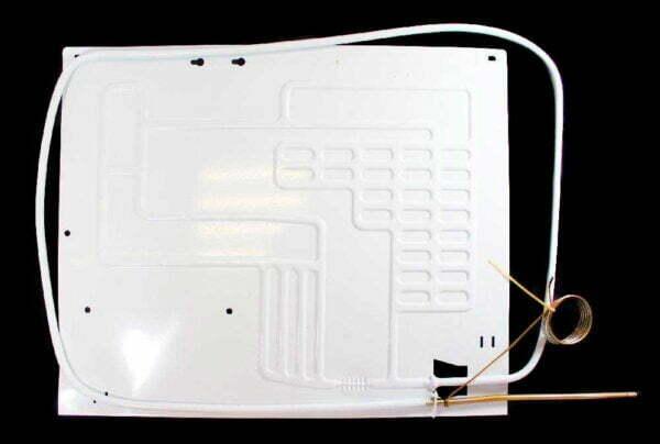 Одноканальный плачущий испаритель 450x370 мм. для бытовых холодильников. Испаритель холодильной камеры (отделения). Подключение: один медный канал с капиллярной трубкой. Пластины испарителя: алюминиевая, штампованная.